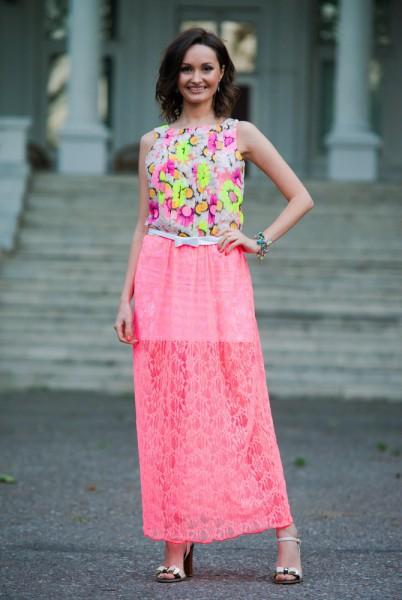 Женское летнее гипюровое розовое платье